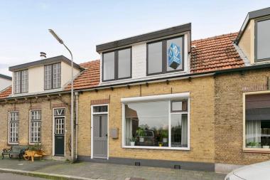 Kreekstraat 11, Sommelsdijk