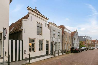 Voorstraat 9, Stad aan 't Haringvliet