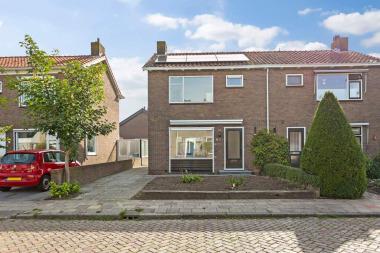 Prins Bernhardstraat 9, Den Bommel